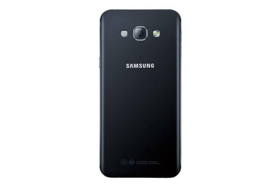 Samsung Galaxy A8 photo