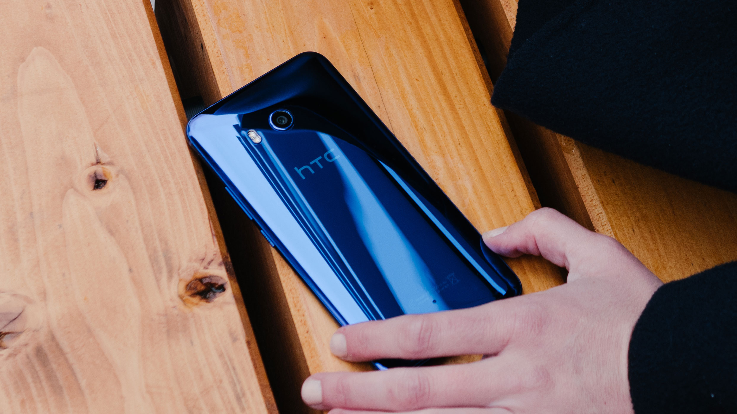 تسريبات حول HTC U12