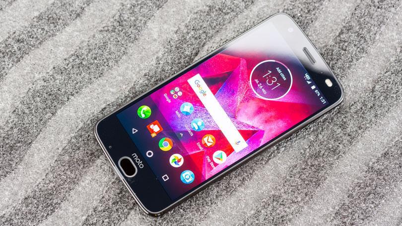 مميزات وعيوب هاتفي Motorola Moto Z2 Force وMoto Z2 Play