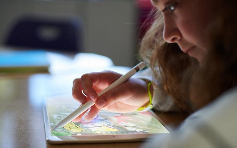 تعرف على أبرز ما أعلنت عنه آبل خلال مؤتمرها الموجه لتطوير الوسائط التعليمية