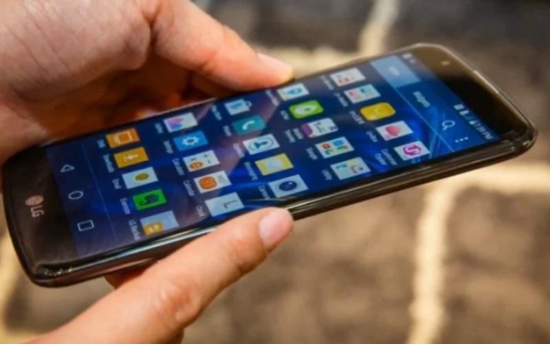 مزايا وعيوب الإصدار الجديد من هاتف إل جي K10 هاتف LG K10 2018