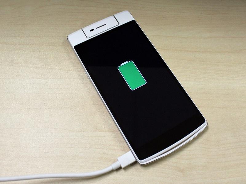 دليلك الكامل لتحقيق أفضل أداء وإطالة عمر البطارية في هاتفك الأندرويد