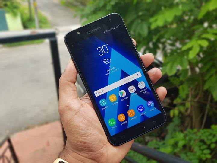 مراجعة ومميزات وعيوب هاتفي Samsung Galaxy J7 Nxt وGalaxy J7 V
