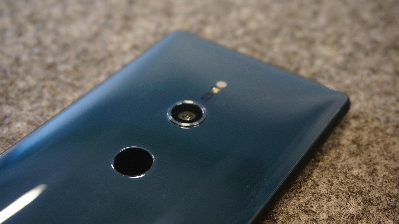 أيهما الأفضل في التصوير من بين العمالقة ... Samsung Galaxy S9 أم Sony Xperia XZ2