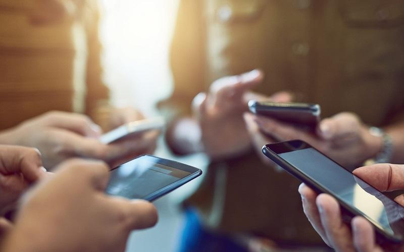 أسعار الهواتف الرائدة عالميًا ومحليًا