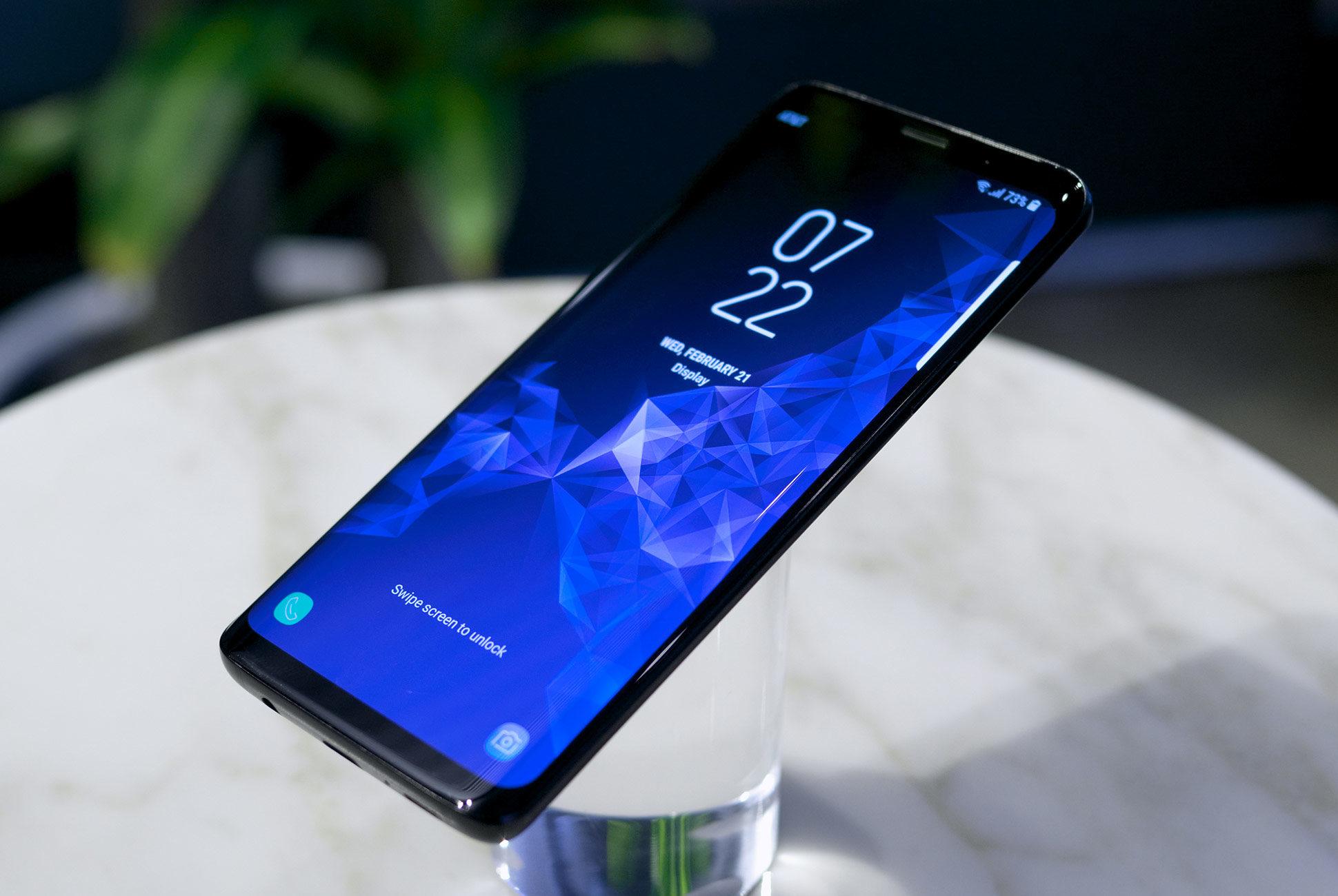 هذه هي أفضل الهواتف الذكية على مستوى الشاشات المتميزة لعام 2018