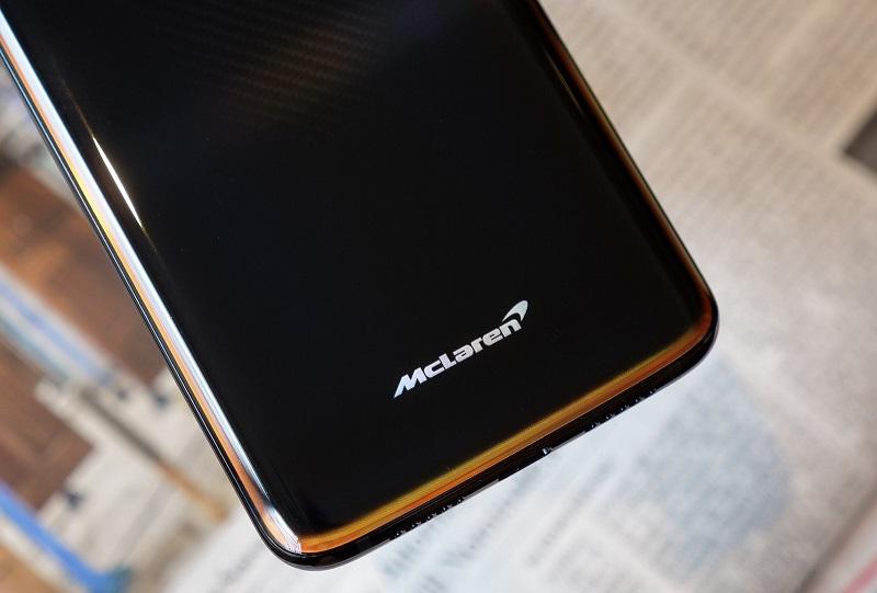ماهي الفوارق بين هاتف OnePlus 6T McLaren Edition وبين النسخة الأساسية من الهاتف