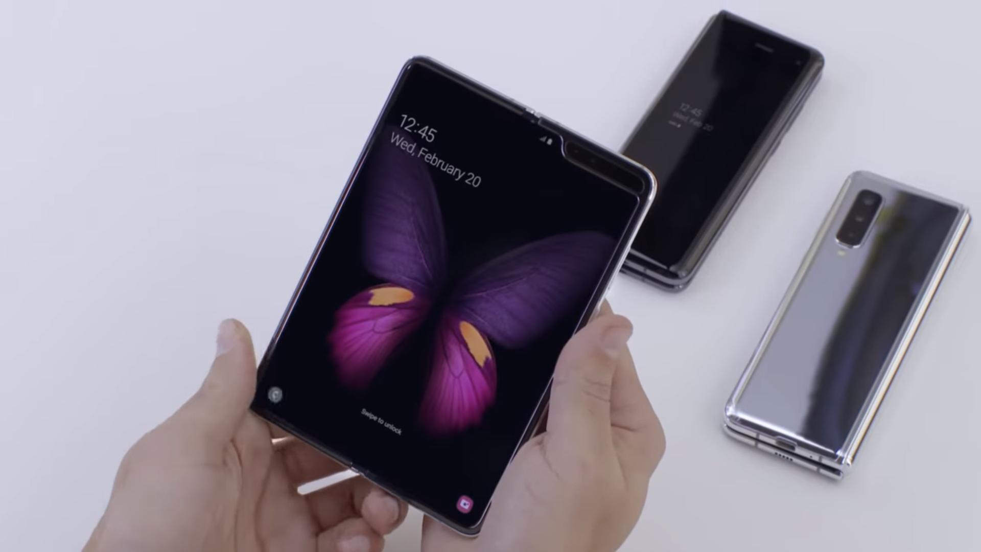 مراجعة مواصفات Samsung Galaxy Fold القابل للطي والأغلى في تاريخ Samsung