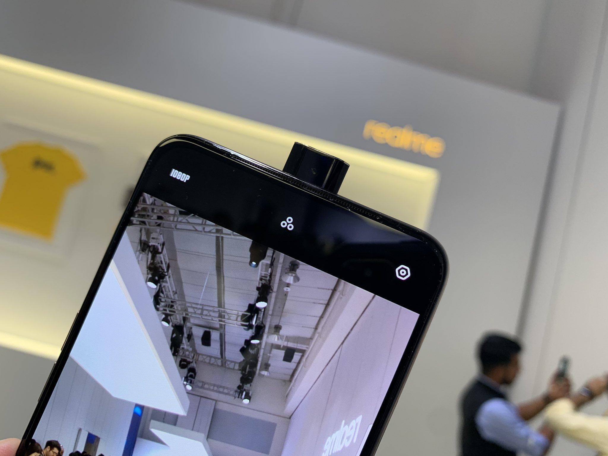 الكشف رسميًا عن هاتف Realme X بكاميرا منبثقة من الأعلى وإمكانيات رائعة للغاية