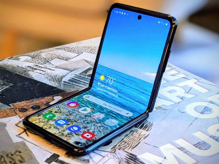 سامسونج تقدم الإصدار القادم لهاتف Galaxy Z Flip3 بمعدل تحديث 120Hz